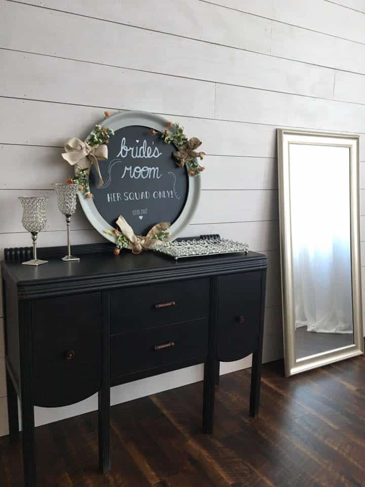 image of west wall of bridal room at heston hills event center